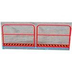 4. Parapete pe rampă – trecerea pietonilor pe rampă în condiții de siguranță, datorită parapetelor de 1000 mm înălțime. Acestea se montează în locul cadrului lateral de protecție (de 250 mm înălțime).